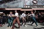 "27.04.2019 Marching band e balli lindy hop per i mercati di Torino • <a style=""font-size:0.8em;"" href=""http://www.flickr.com/photos/149799464@N05/33844160798/"" target=""_blank"">View on Flickr</a>"